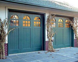 green-hour-garage-doors-kitchann-coty18-g